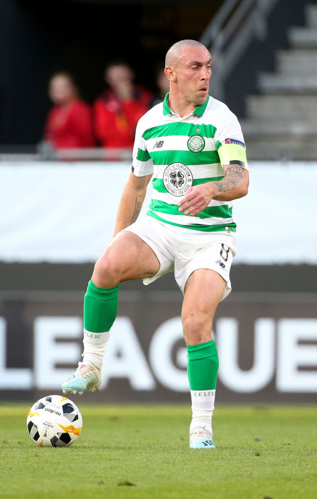 'Pleasure to watch' - some Celtic fans salute back to his best midfielder