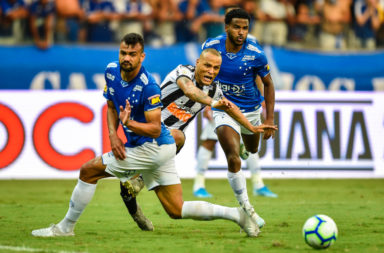 Celtic target Fabricio Bruno is staying at Cruzeiro on contract.