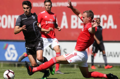 Reported Celtic target Branimir Kalaica in action for Benfica B
