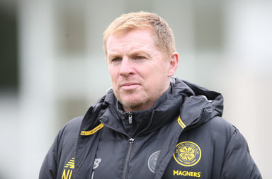Neil Lennon in Celtic training