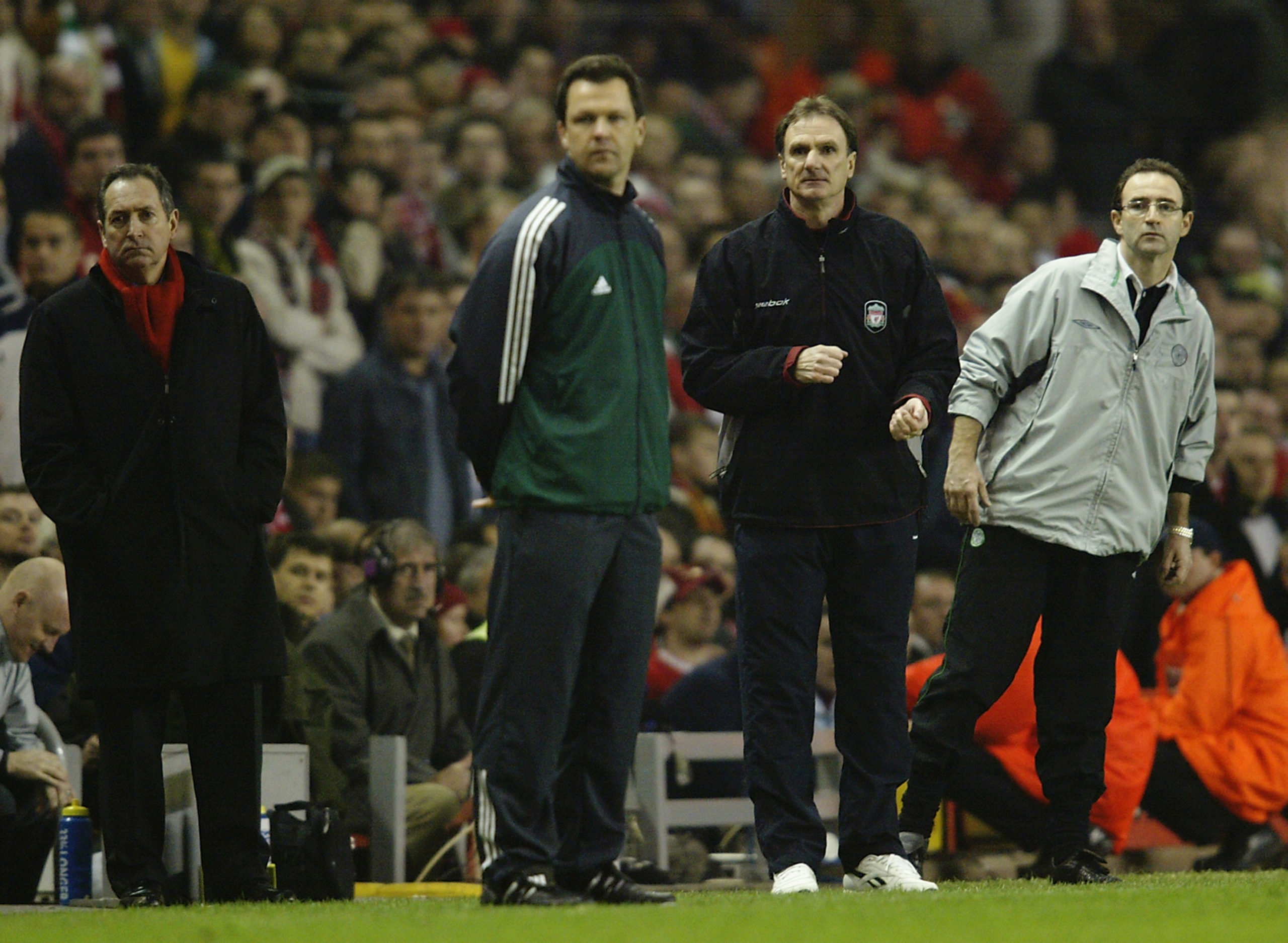 Martin O'Neill watches Celtic at Anfield in 2003