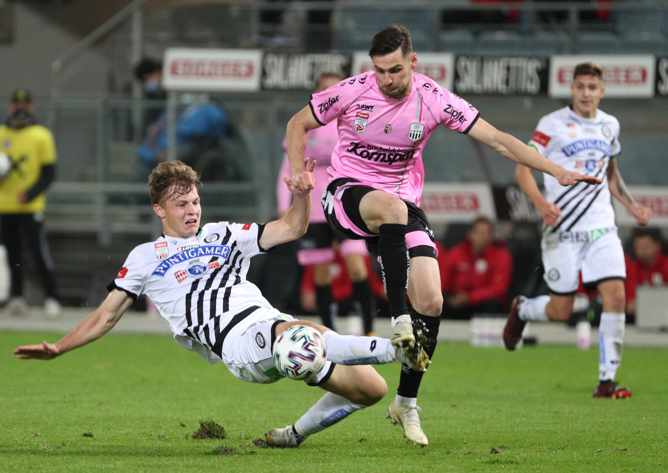 Husein Balic in action for LASK