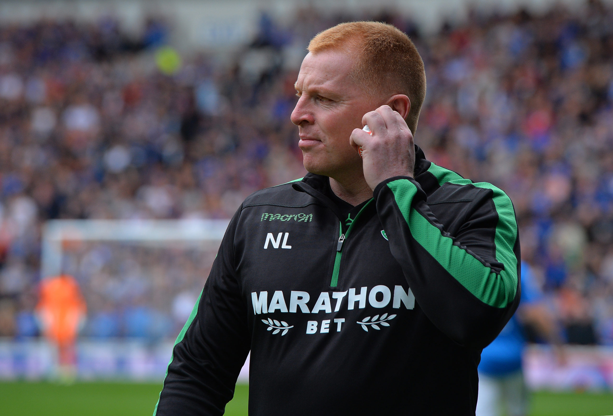 Lennon as manager of Hibernian