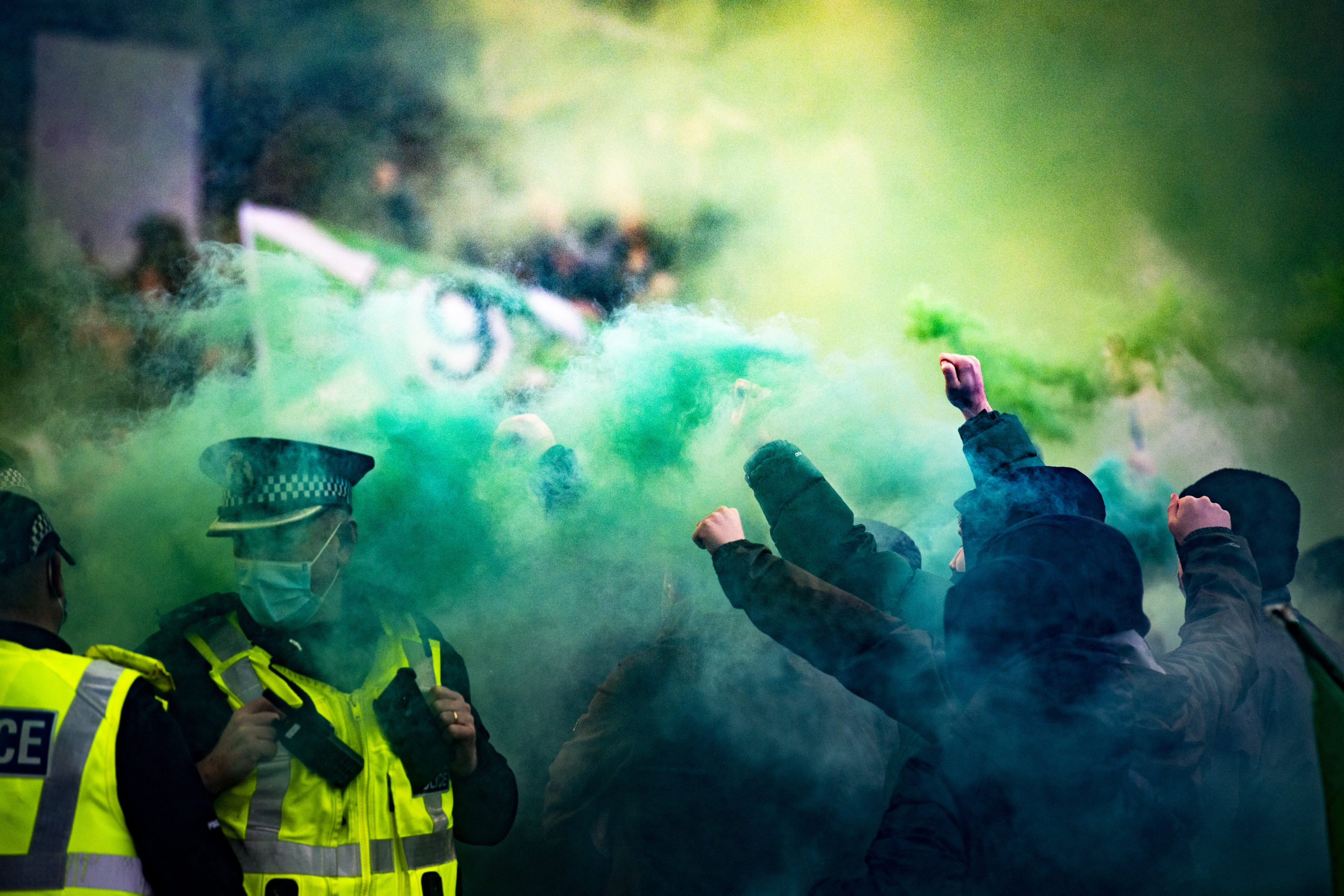 Celtic fans welcome the team to Hampden