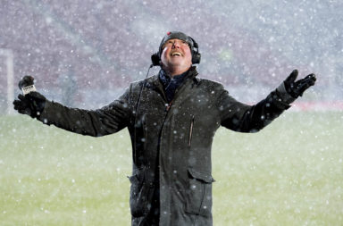 27/02/18 LADBROKES PREMIERSHIP .ST JOHNSTONE v RANGERS .MCDIARMID PARK - PERTH .BBC reporter Chick Young enjoys the snow ahead of kick off .