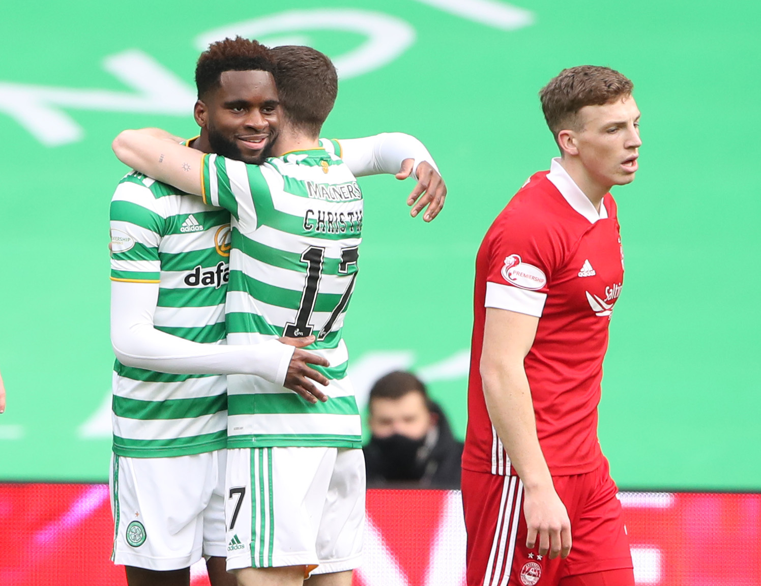 Celtic celebrate against Aberdeen