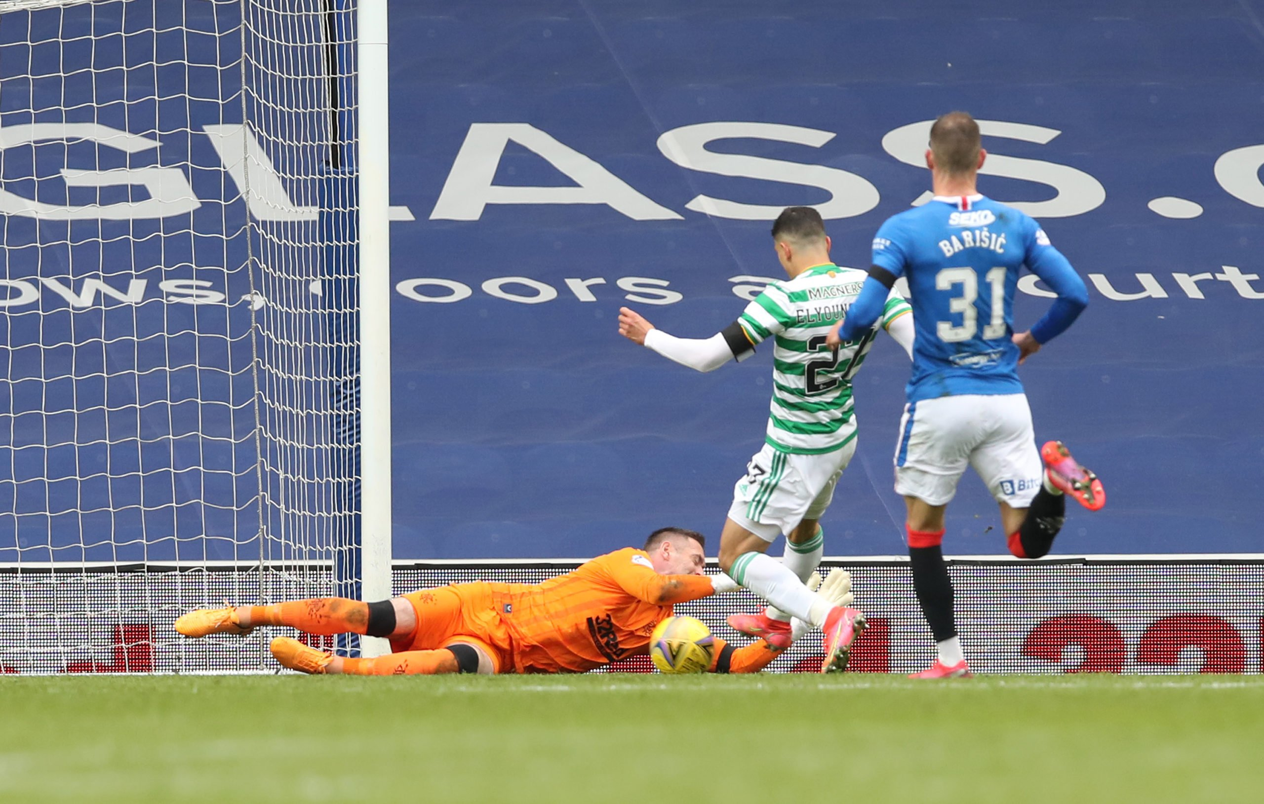 Elyounoussi misses a sitter at Ibrox
